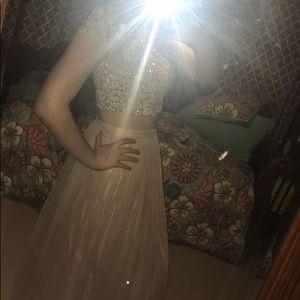 junior year (2017) prom dress!!